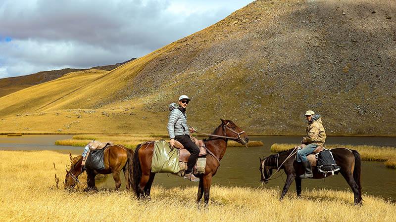 wanderung mit pferden lagodekhi national park