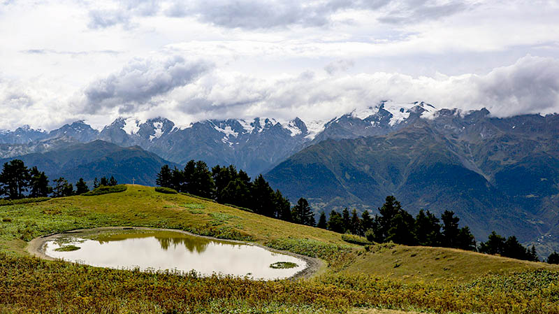 bergsee svanetien georgien