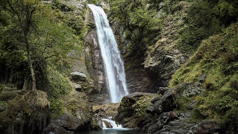 ninoskhevi wasserfall lagodekhi national park