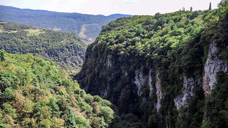rundreise georgien okatse canyon tipps